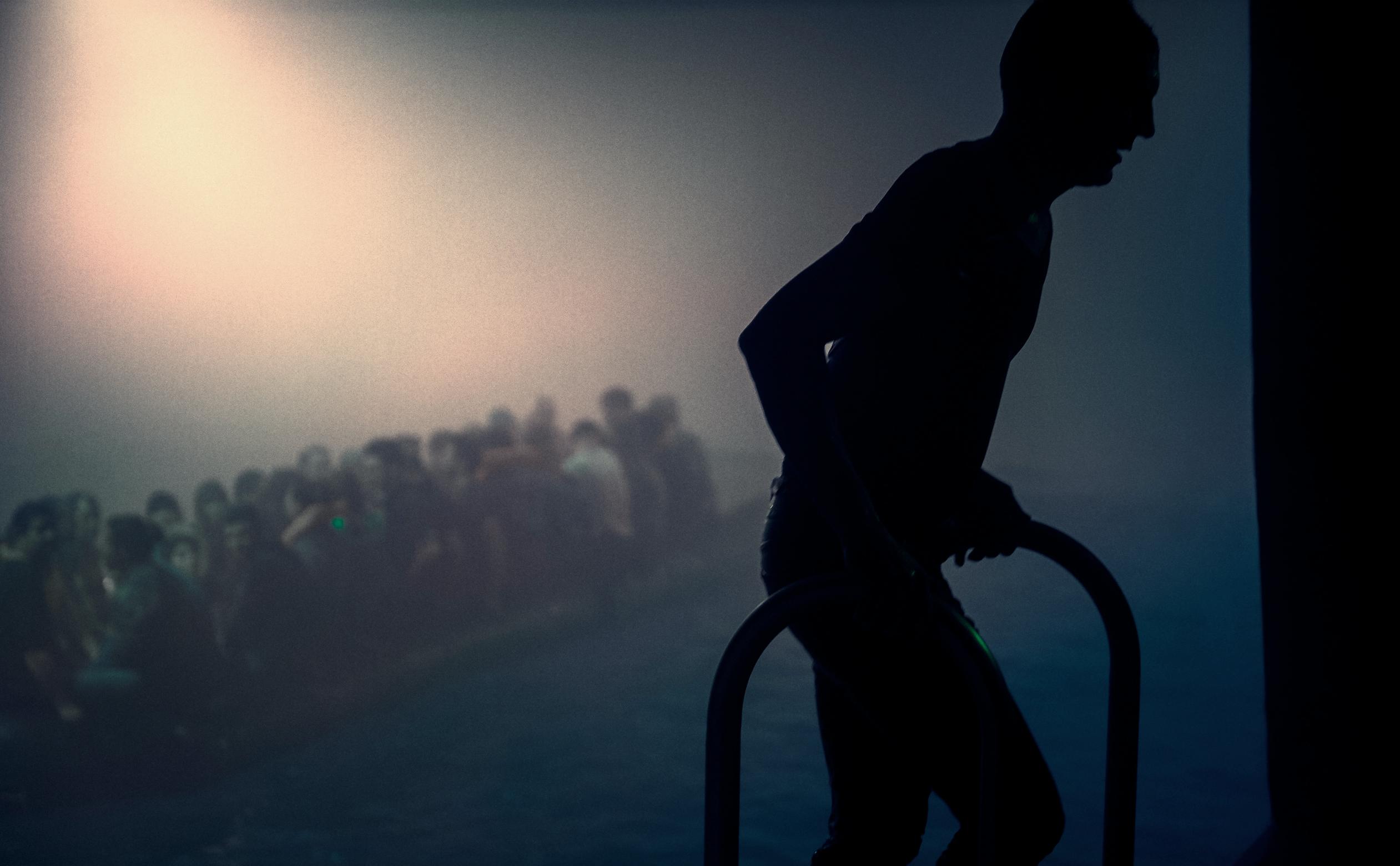 Lifeboat-refugees-ladder-panthalassa